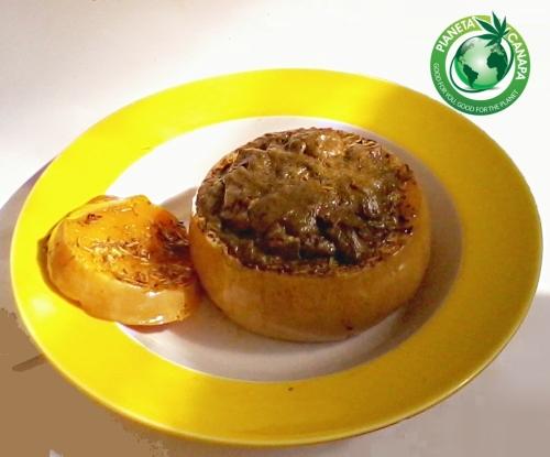 Ricetta per una deliziosa zucca arrostita con proteine della canapa in polvere. Per vegetariani e vegani e tutti gli altri. Buonissima!